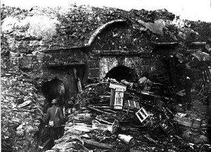LA DEFENSE VICTORIEUSE DU FORT DE SOUVILLE -11 ET 12 JUILLET 1916....suite 4 2-PH_Tourelle_Souville-300x216