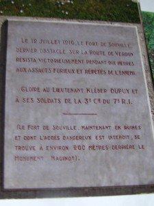texte de la plaque sur la stèle à K.Dupuy et ses soldats