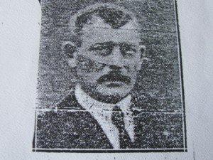 sergent Guisnier qui a aidé K Dupuy à souville - puoto datant de 1930