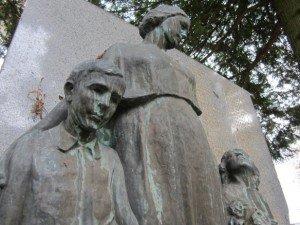 Monument aux Morts de l'enseignement public de Saint - Lô