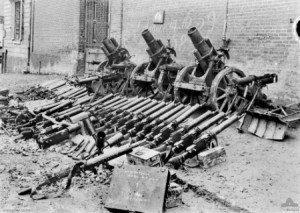 Villers-Bretonneux : canons et mitrailleuses pris aux allemands