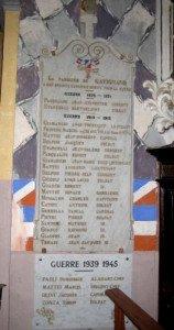 MONUMENT AUX MORTS EGLISE DE GAVIGNANO