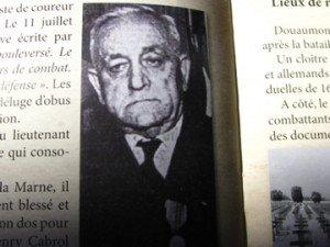 Henry CABROL en 1965 -remise de la médaille de Verdun