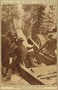 artilleurs américains servant un obusier - 1918