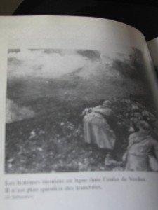 dans l'enfer de Verdun il n(est plus question de tranchées