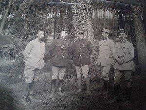 Dr L DELON  4° à gauche