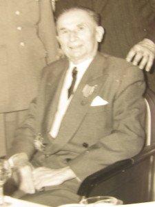 K. Dupuy au cours d'une réunion de CEUX de VERDUN aprés sa retraite